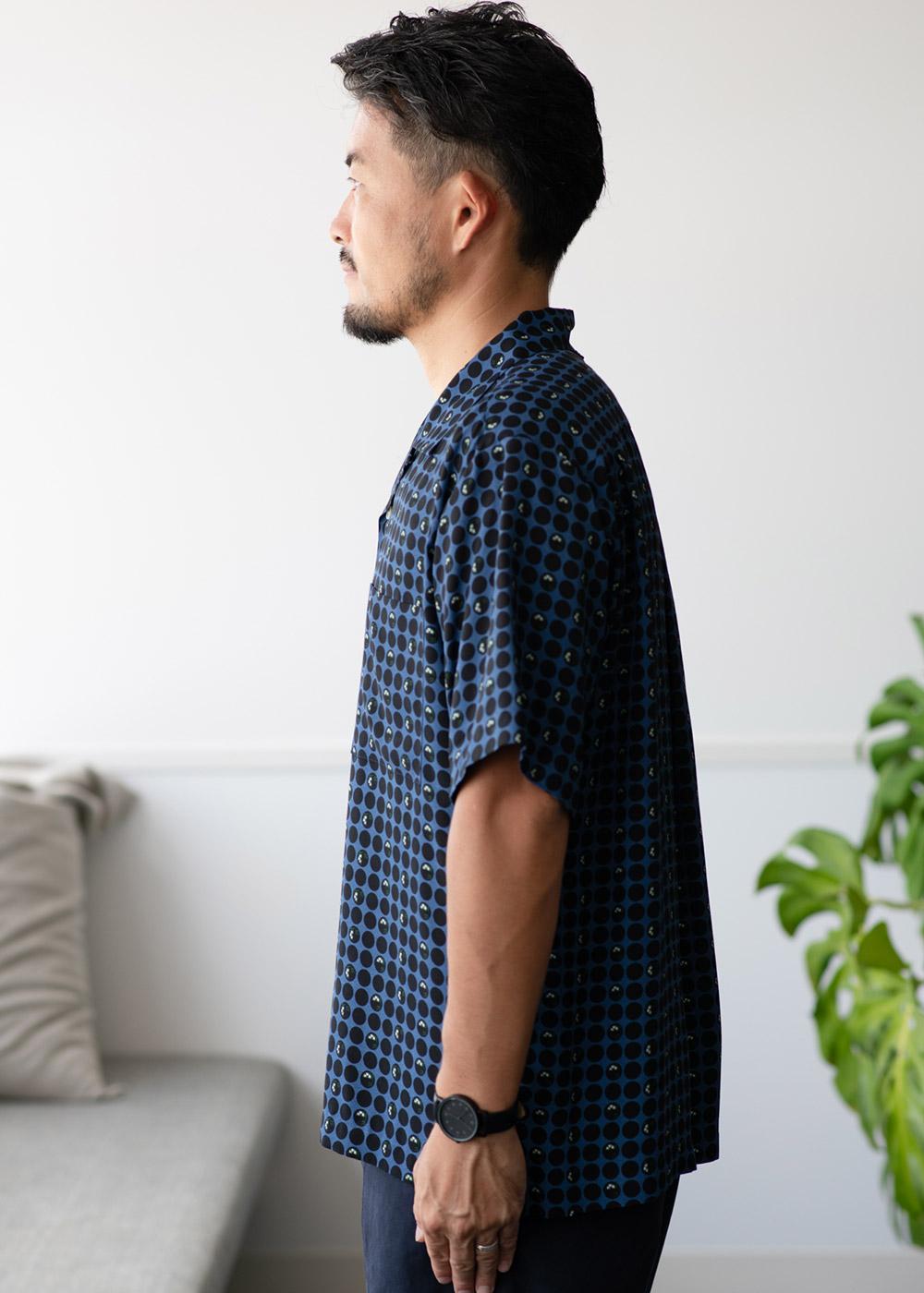 かりゆしウェア(沖縄版アロハシャツ) MAJUN - 琉球漆器ドット