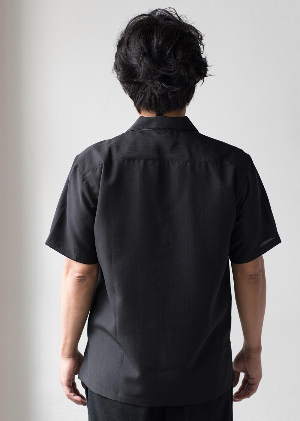 かりゆしウェア(沖縄版アロハシャツ) MAJUN - 黒輝鳳凰(開襟)